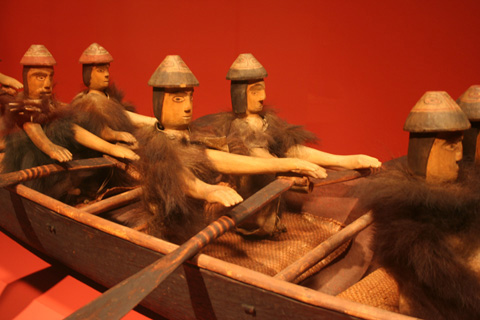 Makah Model Canoe and Figures